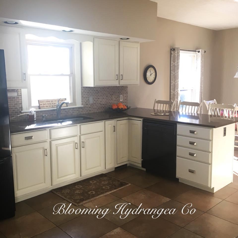 Antique White Kitchen Cabinets General Finishes Design Center Homifind